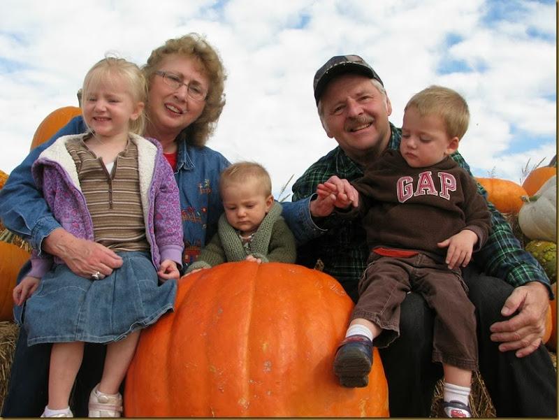 2013-10-08 Fall Visit from Grandma, Granpa and Uncle Jared 072