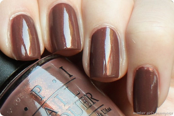 LackeinFarbeundbunt OPI Wooden Shoe Like To Know Swatch (1 von 4)