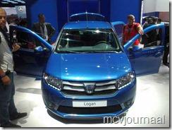 Dacia stand Parijs 2012 25