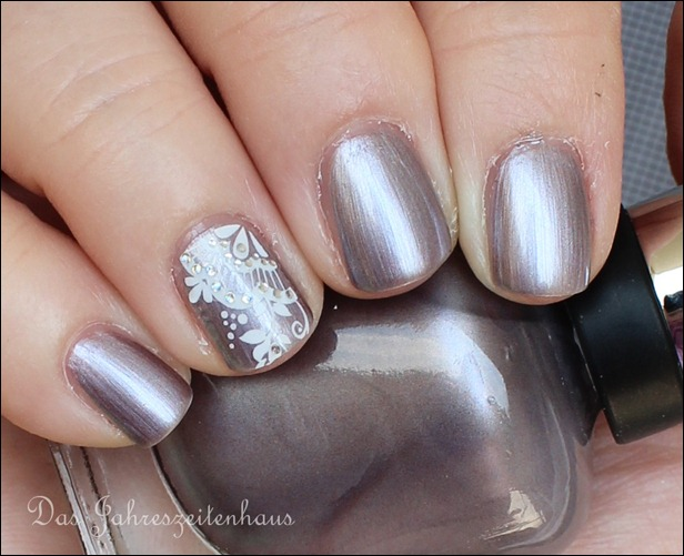 Sally Hansen Pedal to the Metal mit Nail Art 10