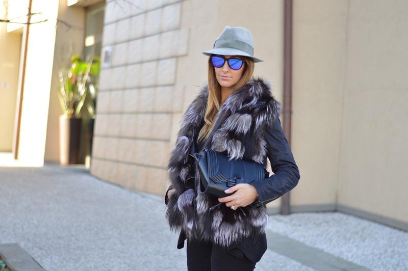 Italian, Italian Fashion, Italian fashion blogger, fashion blog, My Fantabulous World, Italian Girl, Fashion details, fur, furry vest, black pants, True Religion, Zara, Stradivarius Jacket
