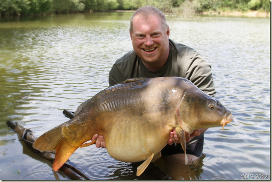Matt Groves and the 48lb 4oz lake record from Le Monument