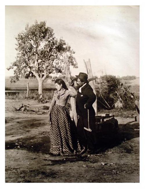 Gaucho y paisana by Francisco Ayerza [Colección Witcomb, Archivo General de la Nación]