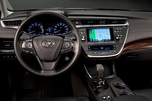 2013-Toyota-Avalon-06.jpg