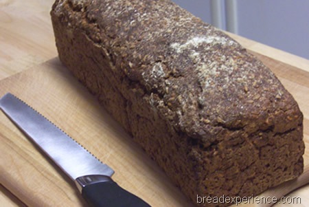 vollkornbrot-with-flaxseeds 020