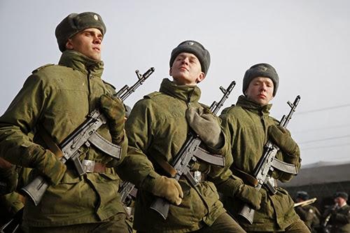 """Новые ракетные комплексы """"Искандер-М"""" прибыли в военную часть на Кубани"""