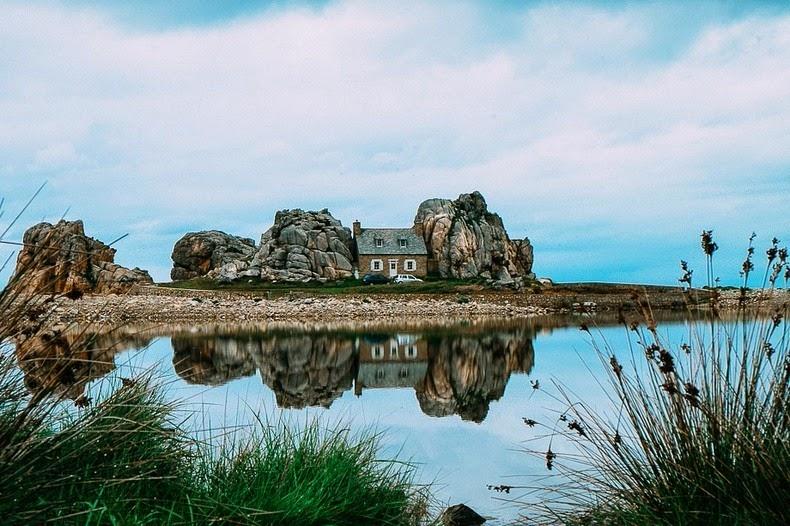 castel-meur-plougrescant-1