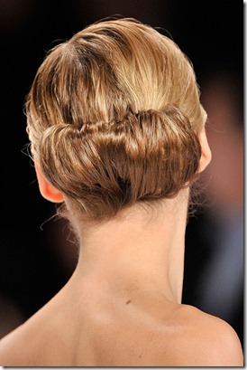 CAROLINA-HERRERA-FALL-2011-RTW-BEAUTY-014_runway