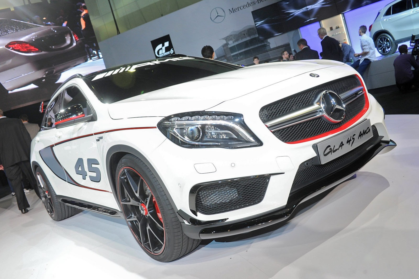 Mercedes gla forum gla at the los angeles auto show for Mercedes benz repair los angeles