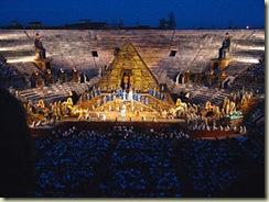 300px-Arena_di_Verona_AIDA_von_Guiseppe_Verdi_(1232258895)