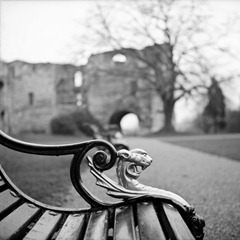 Newark-Castle-Benches
