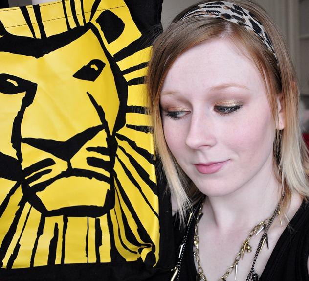 wearable lion king musical inspired makeup tutorial FOTD natural naked palette disney