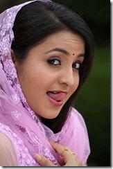 actress_bhama_closeup_cute_pic
