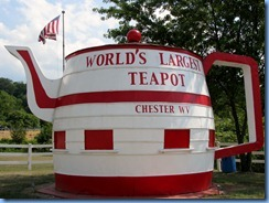3534 West Virginia - Chester, WV - Lincoln Highway (US-30) - World's Largest Teapot