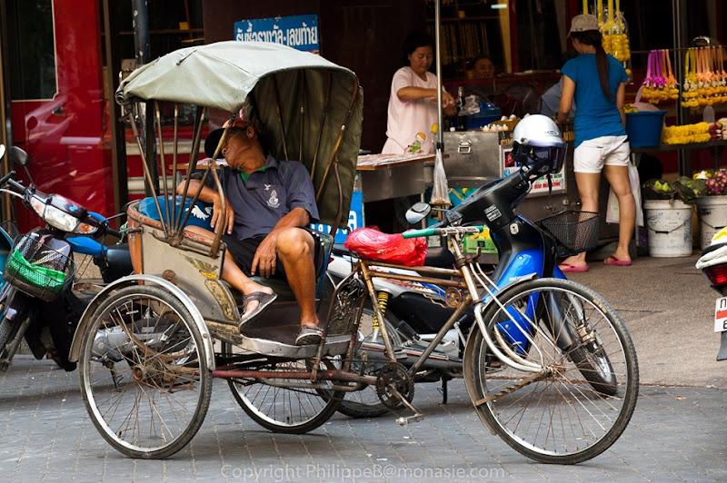 un thai peut dormir n'importe où