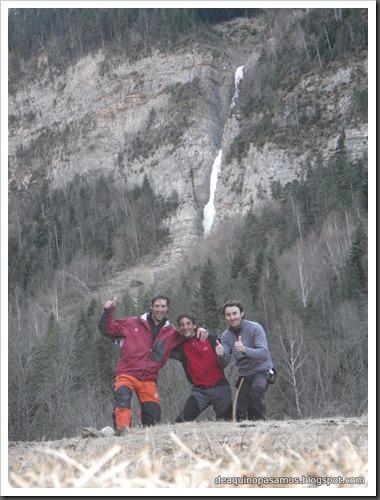 Cascada de Hielo de La Sarra 250m WI4  85º (Valle de Pineta, Pirineos) (Isra) 8258