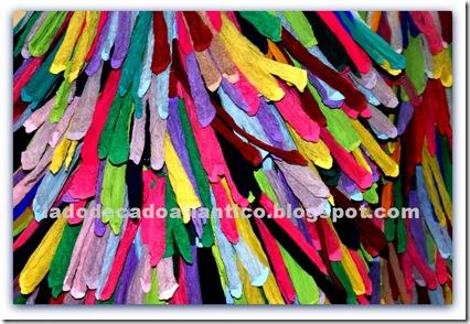"""Imagem das meias coloridas da obra """"Wash and Go"""" de Joana Vasconcelos"""