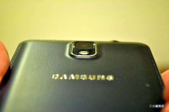 Galaxy Note 3 鏡頭微凸