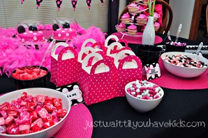 Minnie's-Bowtique-Candy