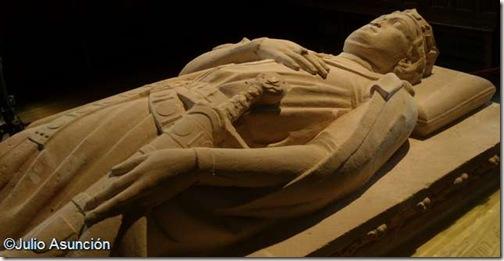 Sancho VII el Fuerte - Estatua yacente de Roncesvalles