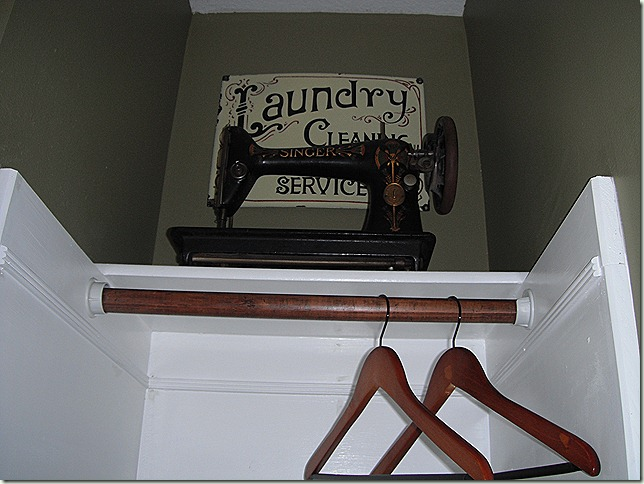 1916 Singer Sewing Machine Laundry Room