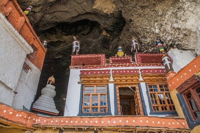 phugtal-monastery-3