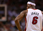 lebron james nba 130104 mia vs chi 04 King James Debuts LBJ X Portland PE But Ends Scoring Streak