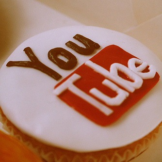 YouTube Logo cupcake
