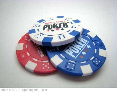 '11g poker chips' photo (c) 2007, Logan Ingalls - license: http://creativecommons.org/licenses/by/2.0/