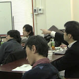 写真2: 二日間に渡って活発な意見の交換が繰り広げられた。/ Photo2: The members had lively exchange of information and opinions for two-day sessions.