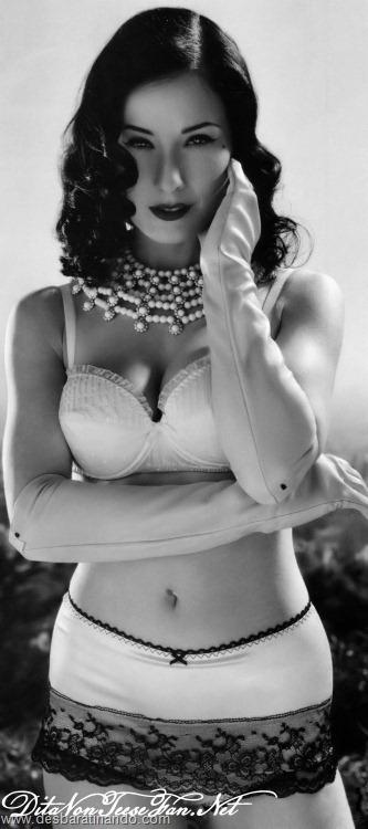 dita von teese linda sensual sexy sedutora desbaratinando (72)