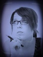 Atraente jovem mulher de negócios com óculos [variação 2]