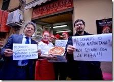 La protesta dei pizzaioli di Napoli