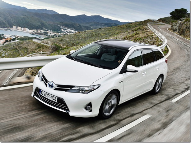 toyota_auris_touring_sports_hybrid_7
