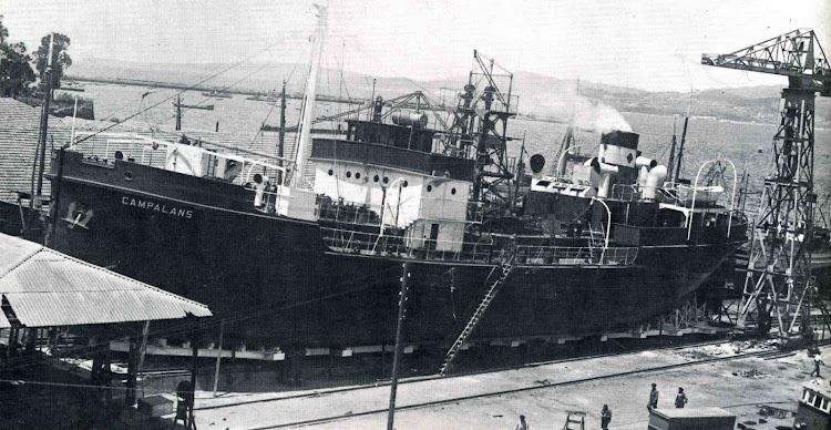 Buque tanque CAMPALANS. Botadura en Vigo. Foto del libro CINCUENTA AÑOS DE CAMPSA.jpg