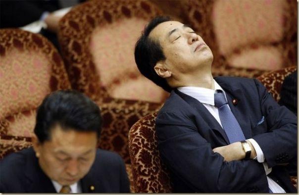 Les politiques sommeillent (13)