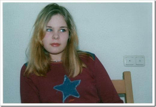 2002_Romy geschminkt (Hausflur AKR)