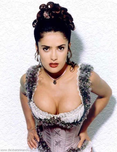 salma hayek linda sensual sexy sedutora gostosa peituda boob tits desbaratinando  (10)