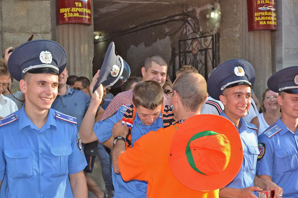 Евро 2012 по футболу. Харьков. 13 июня. Перед матчем Голландия - Германия - 109