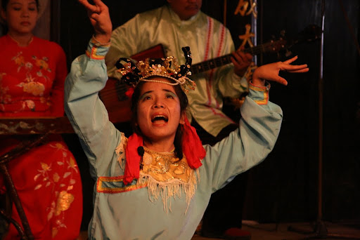 When in fact the whole show was fascinating, if weird, like this tortured soul, obviously in great pain, who still attempted some famous Vietnamese opera.