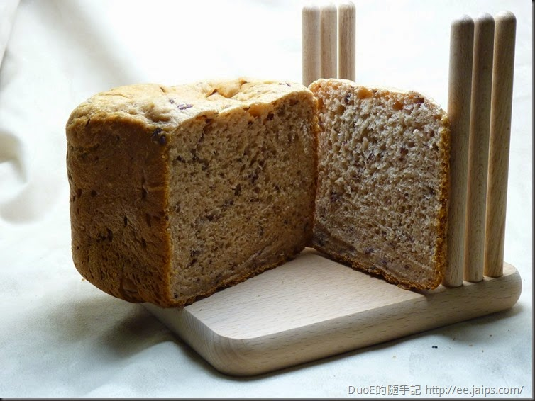 歌林麵包機 - 紅豆麵包切面