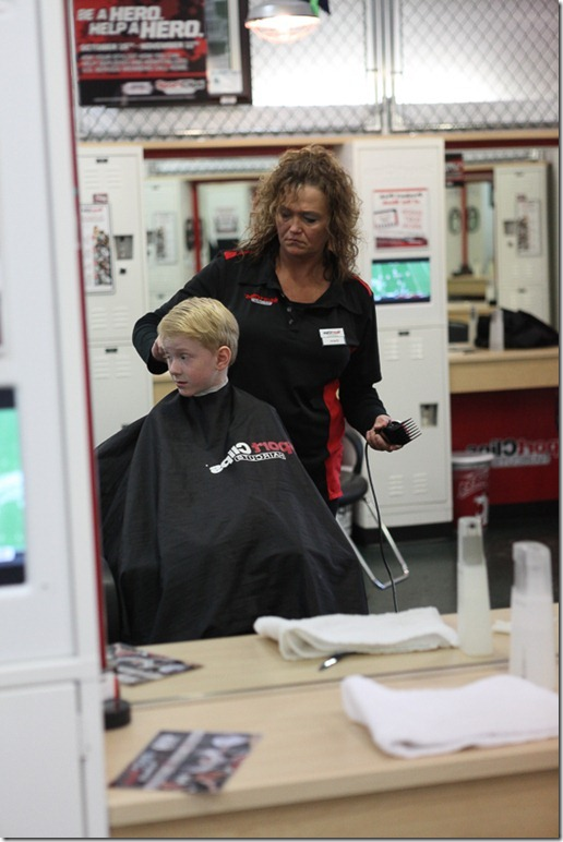Alex getting a sportsclip haircut (6)-blog