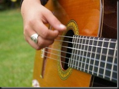 guitarrisa practicando