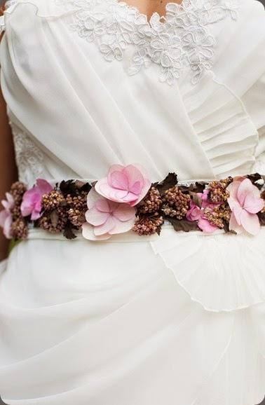 wearable Victorian-Garden-Styled-Shoot-Renee-Brock-Photography-13 gertie maes