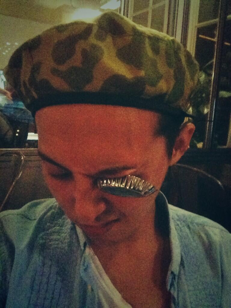 G-Dragon - Twitter - 23may2013.jpg