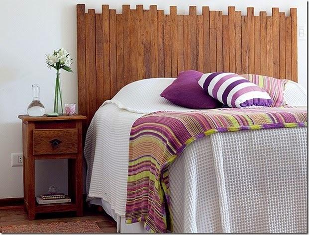 cabeceira cama box usando ripas de madeiras agrupadas