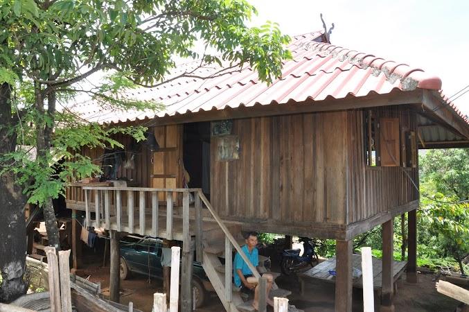 Imagini Thailanda: Casa traditionala la tribul de munte Akha, Thailanda