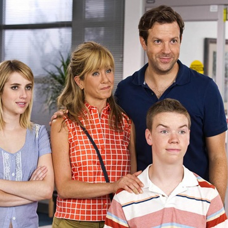 "Crew of Misfits Pretends to Be a Family in ""We're the Millers"""