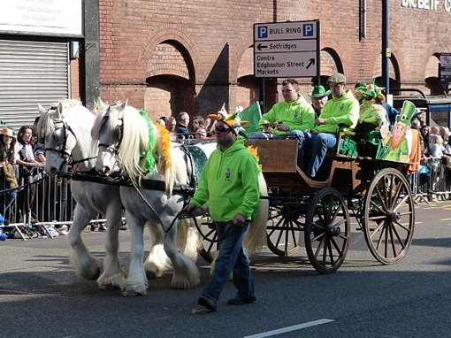 Парад на день святого Патрика в Бирмингеме