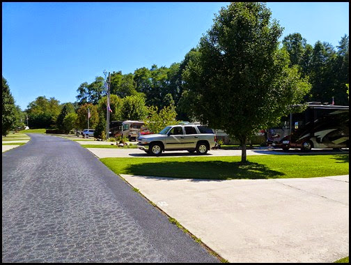 07c - Rivers Edge RV Park, our street, Allison Loop